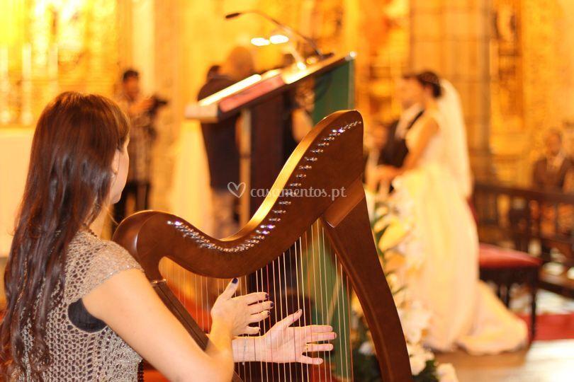 Canto, harpa e piano