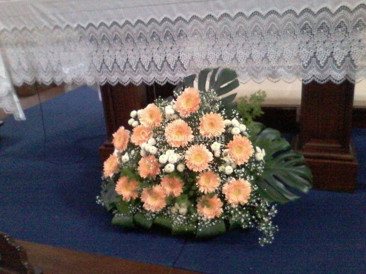 Centro floral para altar