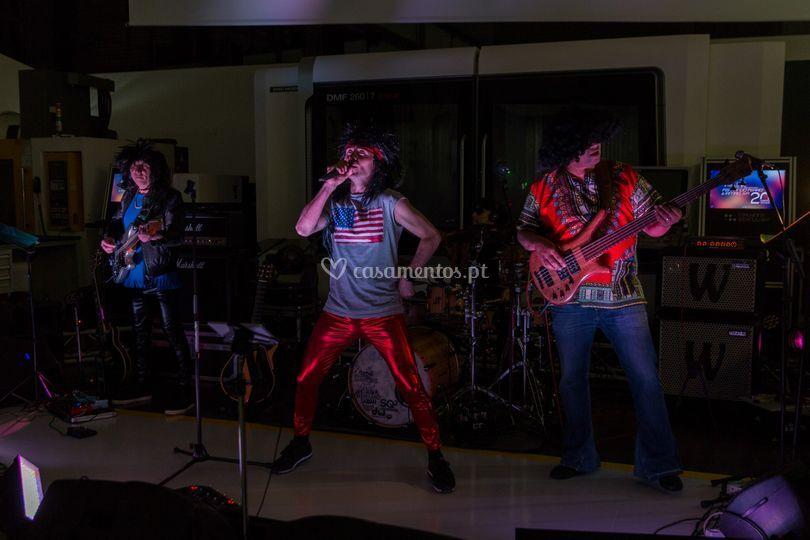 Ao vivo-caracterização 80 rock