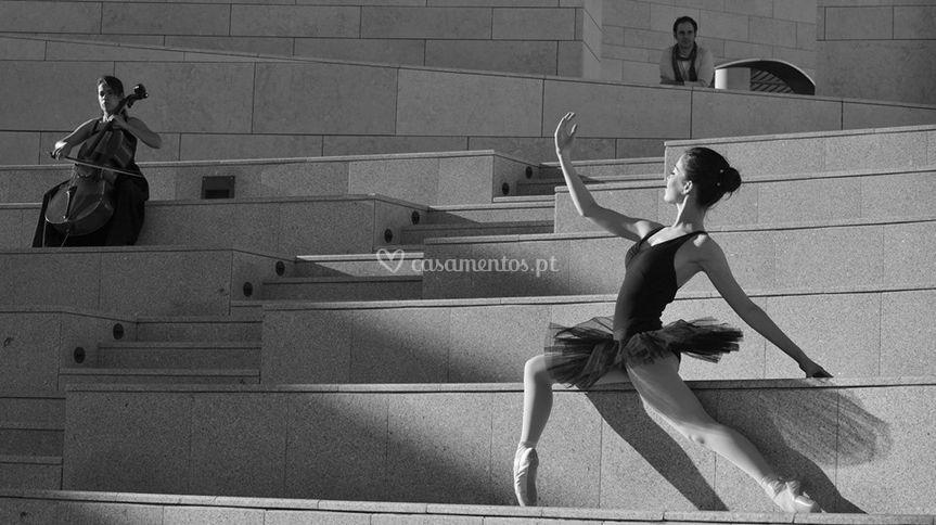 Bailarina,compositor,violoncel