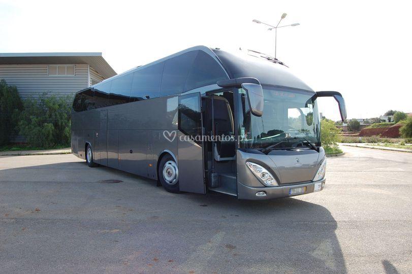Autocarro luxo 55 lugares
