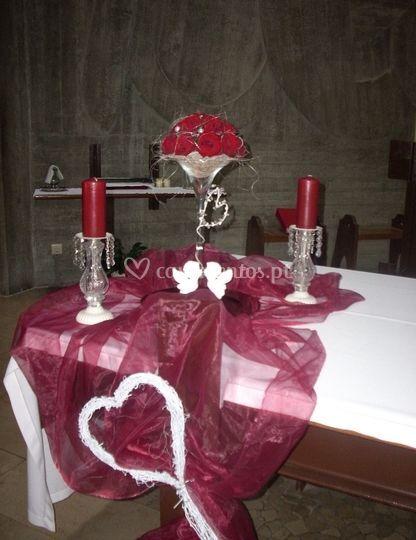 Velas e flores para altar