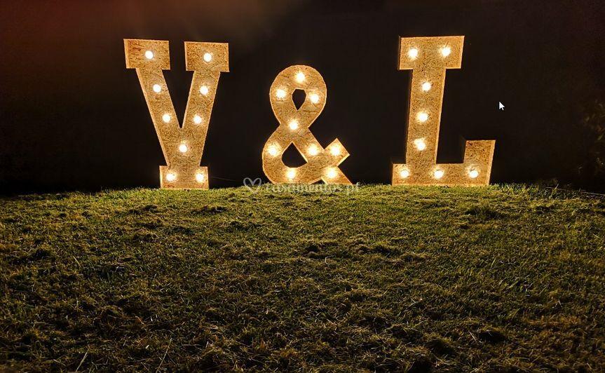 V & L