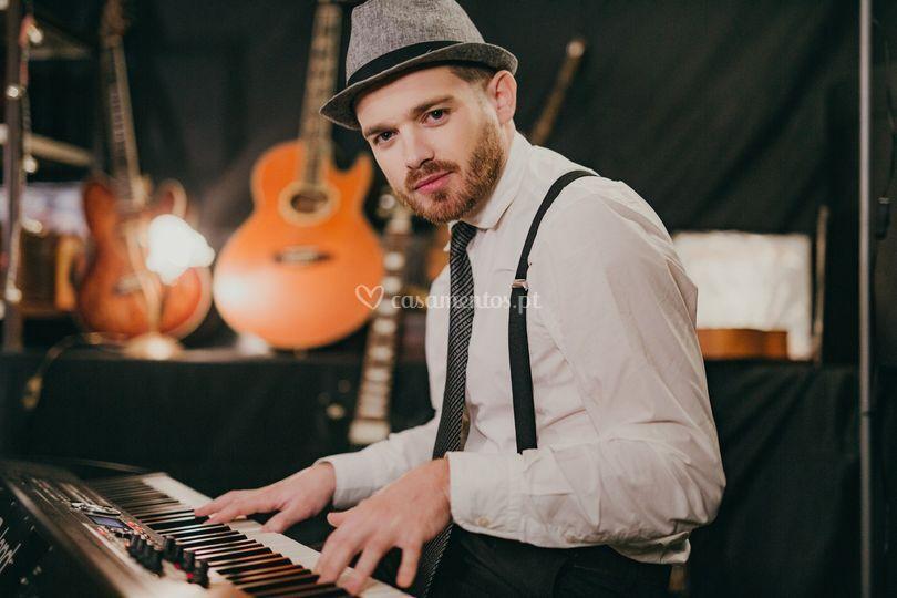 Vitor Veloso - Piano