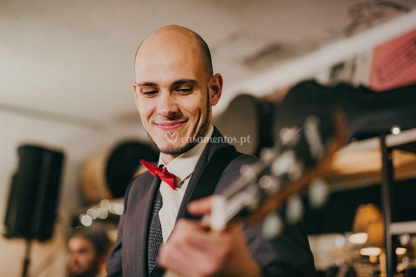 Pedro Paiva - Guitarra