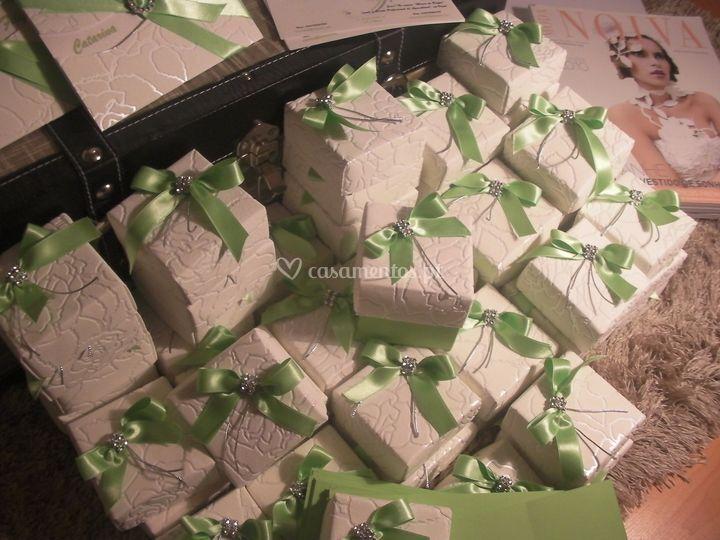 Convite em caixa - presente verde