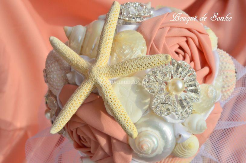 Bouquê temática mar e flores