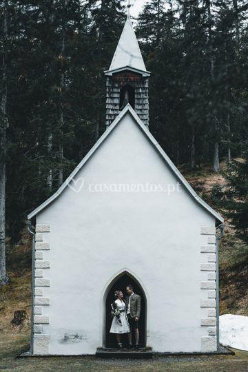 Igreja na floresta