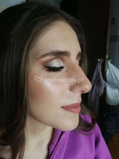 Mariana Santos - Maquilhadora