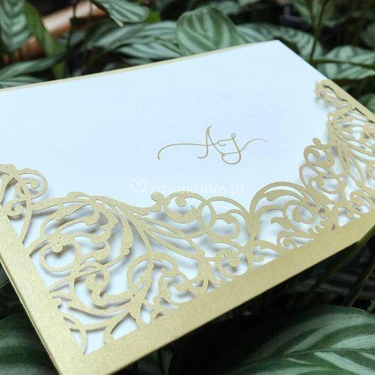 Envelopes cortados a laser