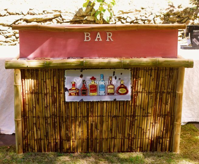 Country chic bar