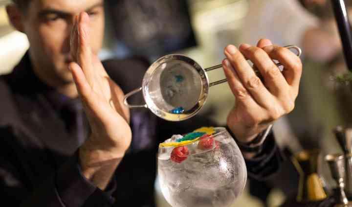 Gin & tónic com caviar