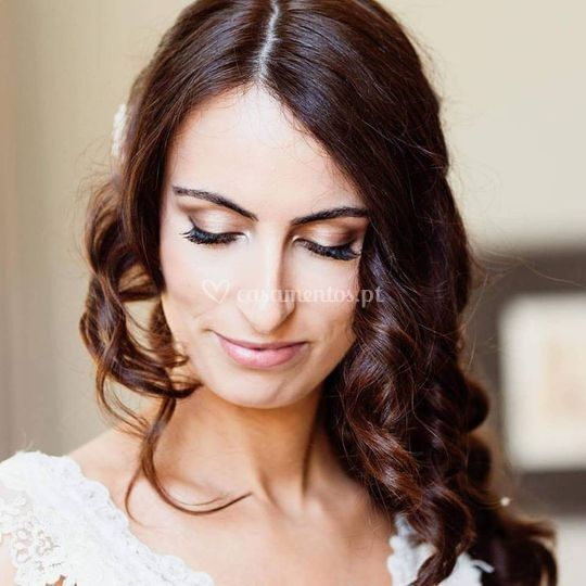 Bridal make-up & hairstyling