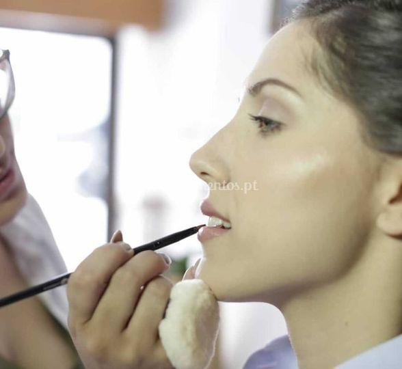 Mariana Mendes Makeup Artist