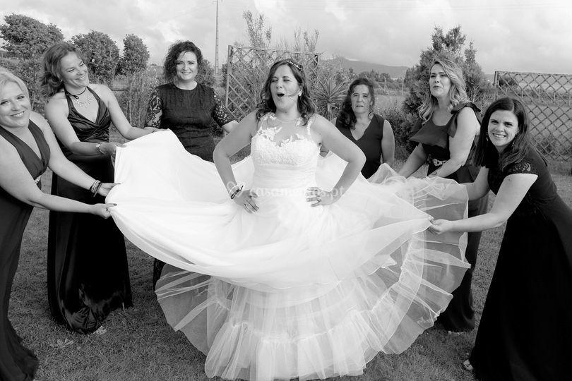 Noiva com damas