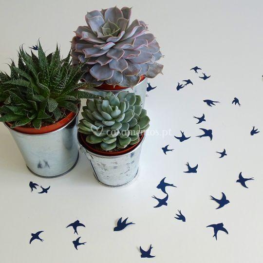 Confetti p/ decoração.