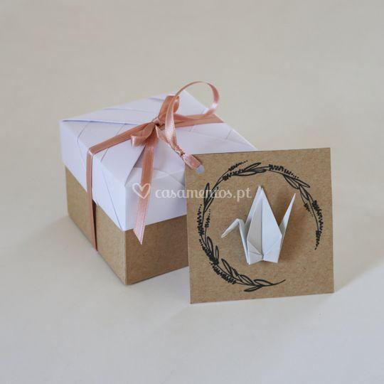 Convites e ofertas em origami.