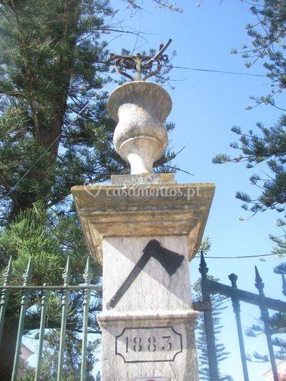 Coluna da entrada principal