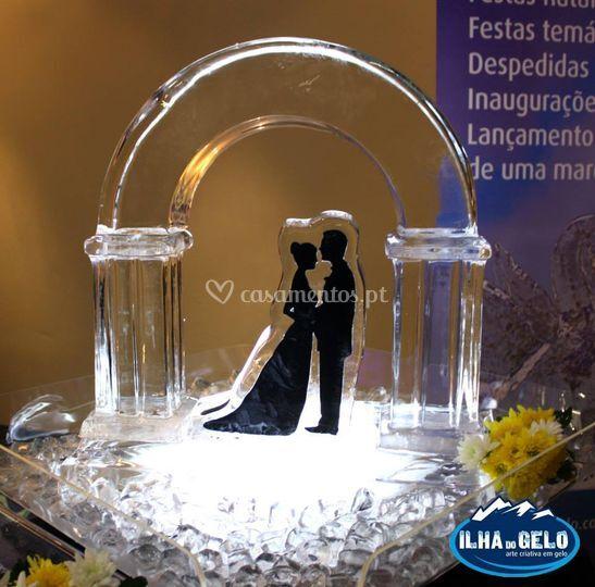 Peça decorativa noivos