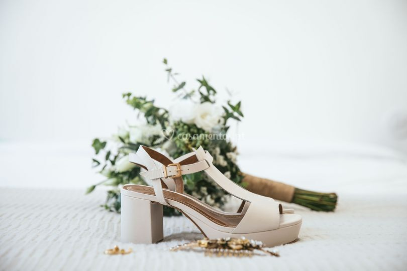 Bouquet e acessórios noiva