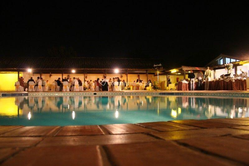 A piscina à noite