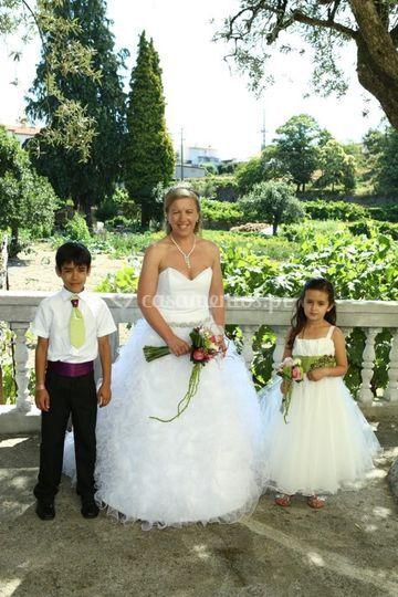 Noiva e Meninos das Alianças