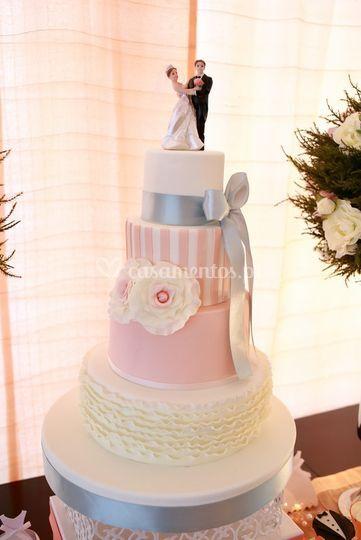 Cake design by @pipeventoslda