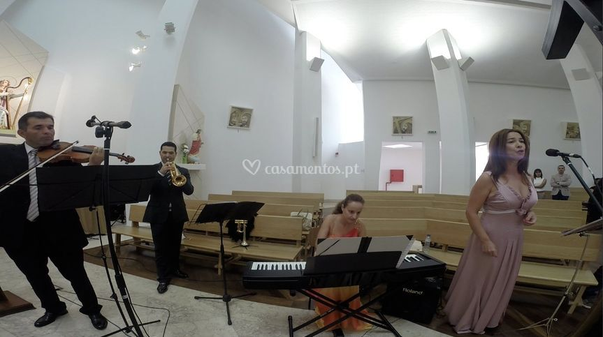 Piano, Soprano, Tpr. & Vln.
