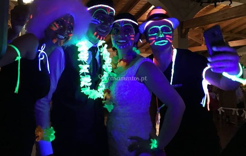 Wedding neon party