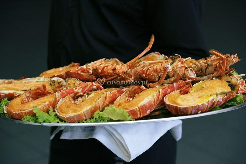 Buffet delicioso de Catering Santo António
