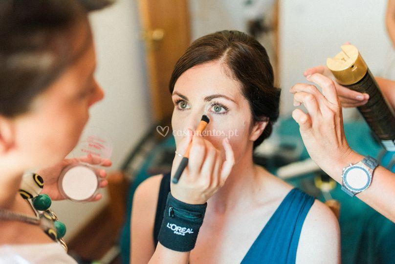 Preparação de makeup noiva