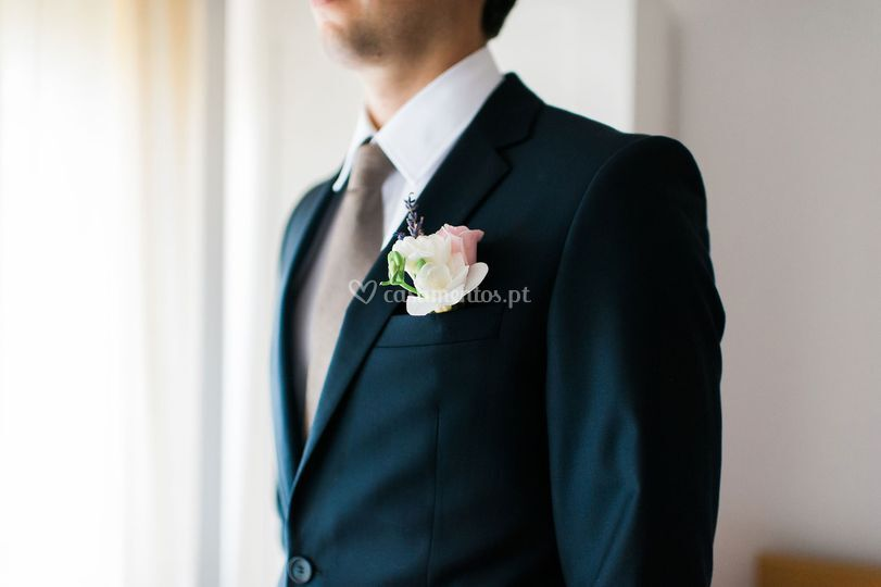 Groom details by invade