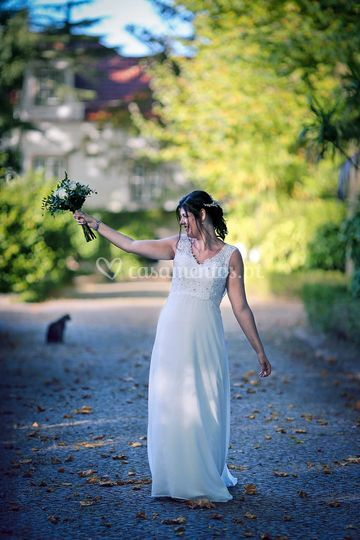 A noiva, o bouquet e o gato