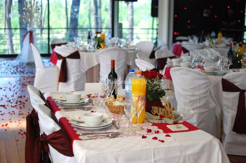 A mesa dos noivos