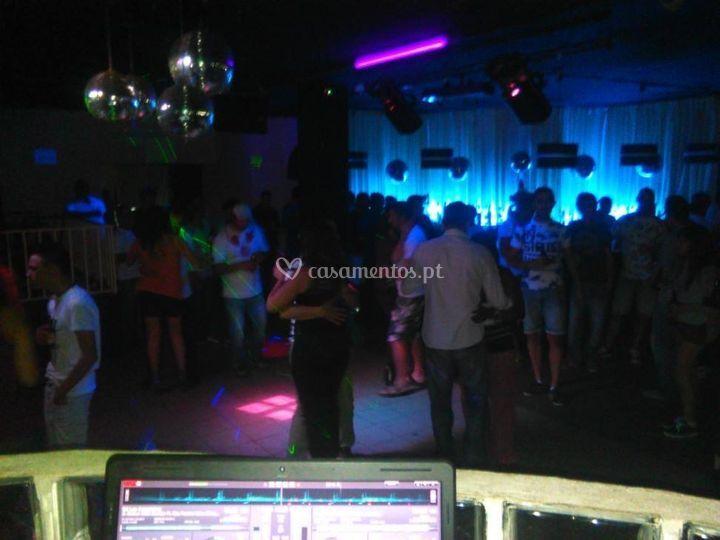 Atuação na discoteca zumbar