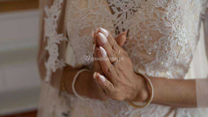 Mãos que oram com o coração