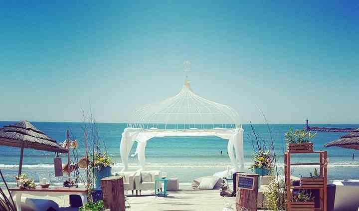 Set Lounge Beach Weddings