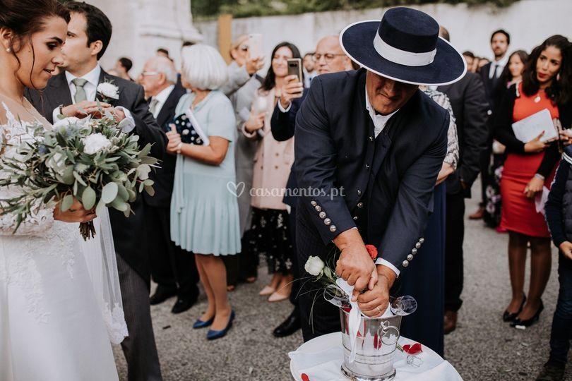 O primeiro brinde de casados!