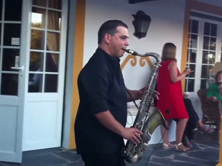 Saxofone Solo Performance