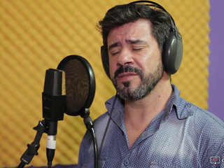Leonardo Díaz Morales e Tati Portella - Aos Olhos do Luar
