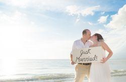 Reportagem pós-casamento na praia