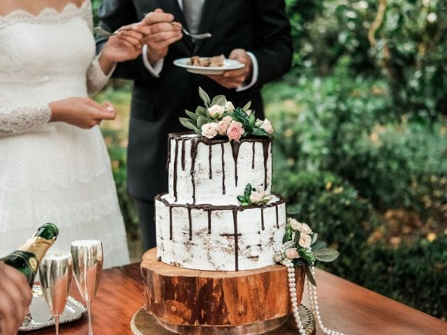 Drip cake: uma tendência deliciosa que vai surpreender os convidados!
