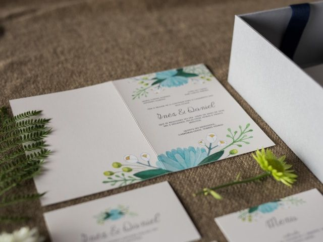 A entrega dos convites de casamento