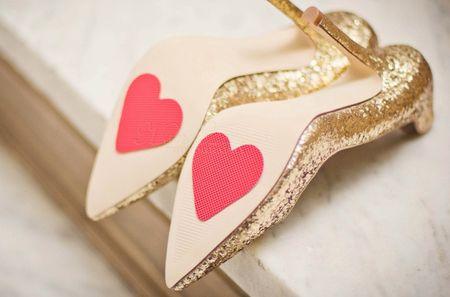 Escrever na sola do sapato de noiva? As mensagens mais originais!
