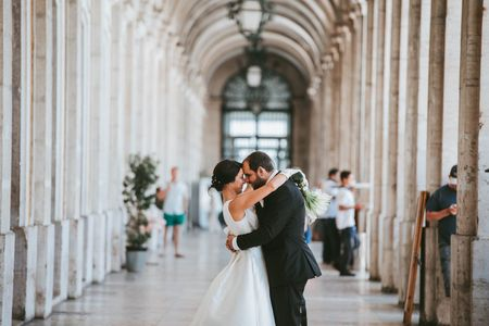 15 Músicas portuguesas modernas para incluir no vosso casamento
