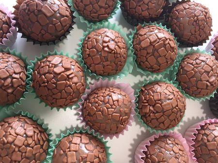 Lembranças de casamento de chocolate: 7 propostas de fazer água na boca