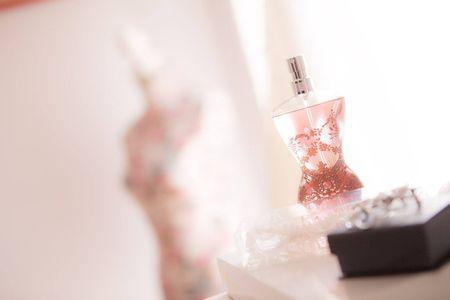 Escolher o perfume da noiva