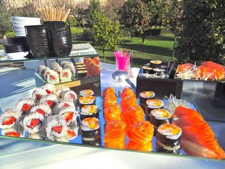 Tenha uma mesa de sushi no seu casamento