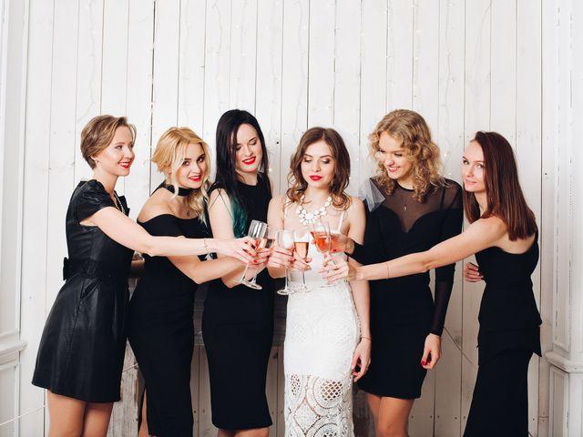 Damas de honor com vestidos pretos: sim ou não?