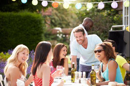 Convidados com ou sem acompanhantes: qual a melhor decisão?